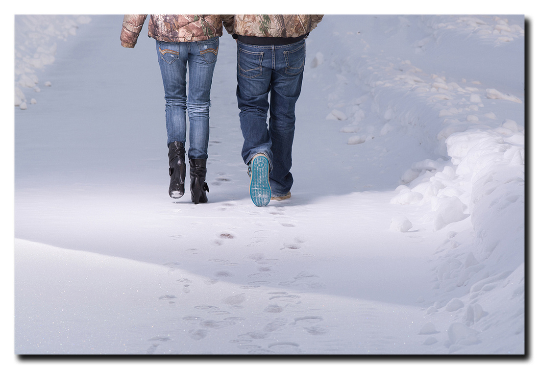 engagement photos in winter
